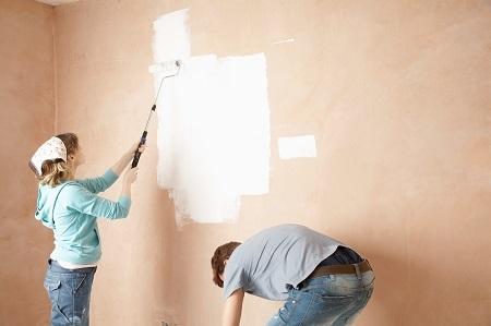 צביעת דירה בצבע דקורטיבי